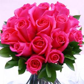 beautiful-dark-pink-royal-wedding-rose-centerpieces-globalrose-2